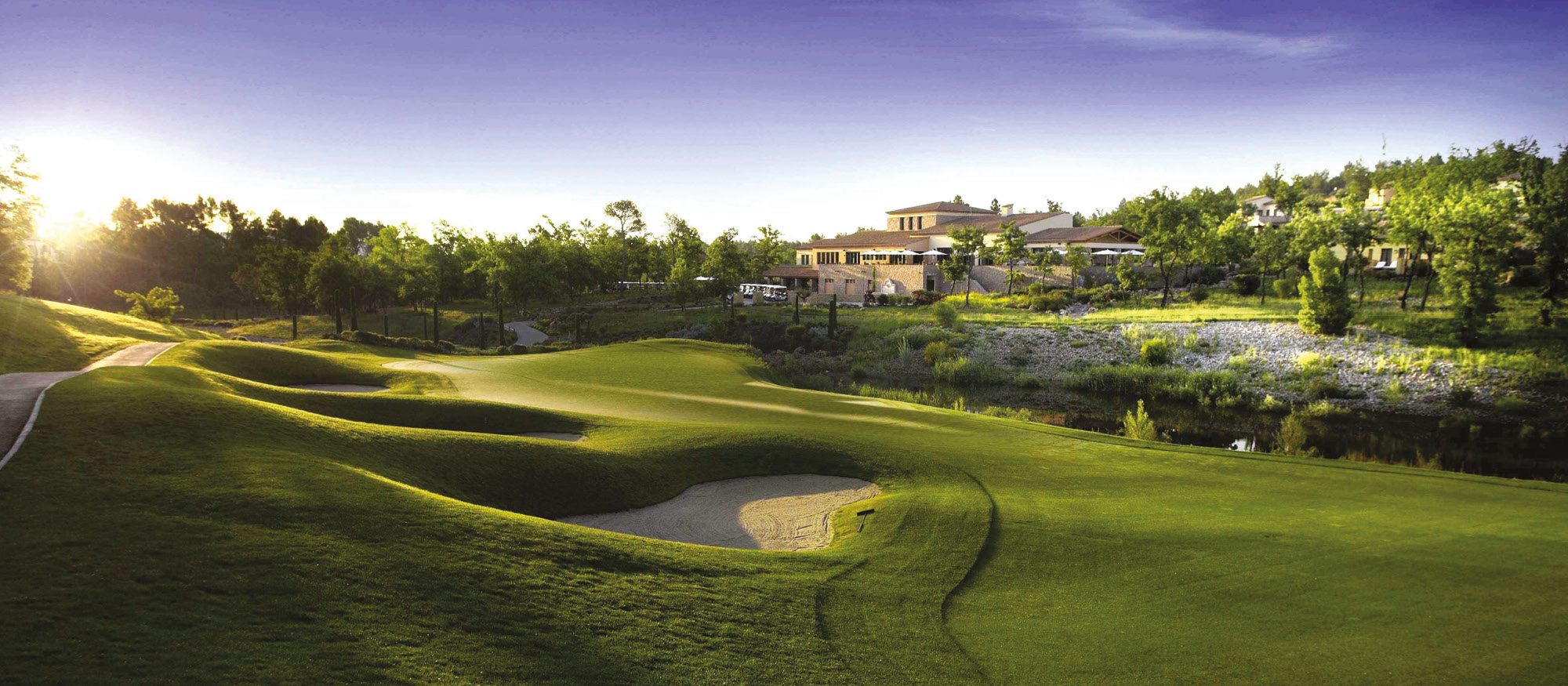 how to play private golf courses